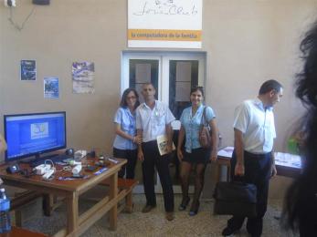Director Provincial de los JCCE en Matanzas Orlando Matheu en la exposición de la Revista Tino