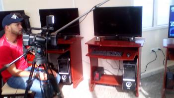 Equipo de filmación del programa del Canal Educativo, Das Más.