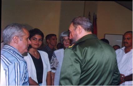 Fidel en los Joven Club