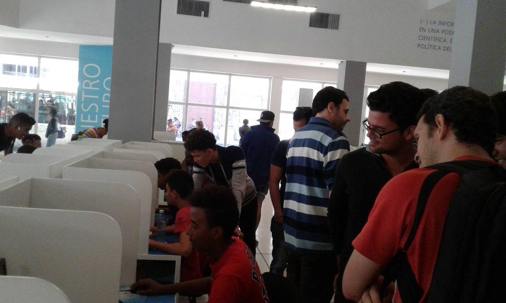Foto 2. Actividad de #monstruosindies efectuada en el Palacio Central de la Computación. - Videojuegos