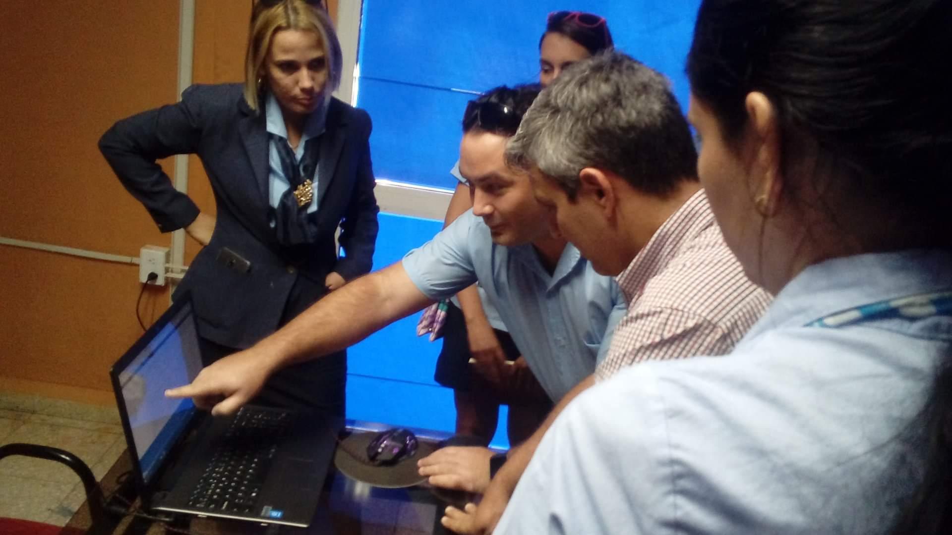 Otros momentos de la visita del Ministro de Comunicaciones al Bosque Tecnológico de Camagüey - Revista Tino