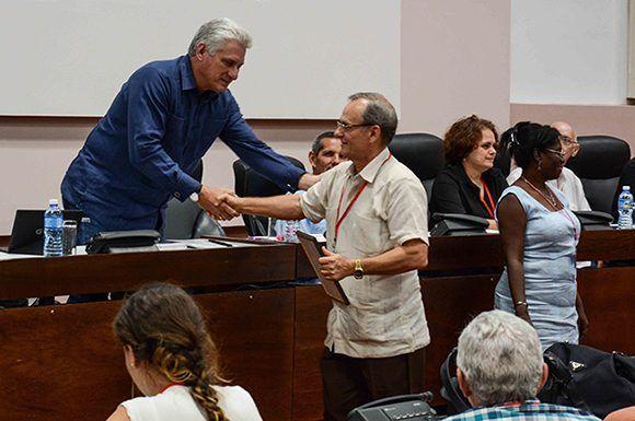 Figura 3. Momentos de la clausura de la 1ra Conferencia Nacional de la UIC. - Revista Tino