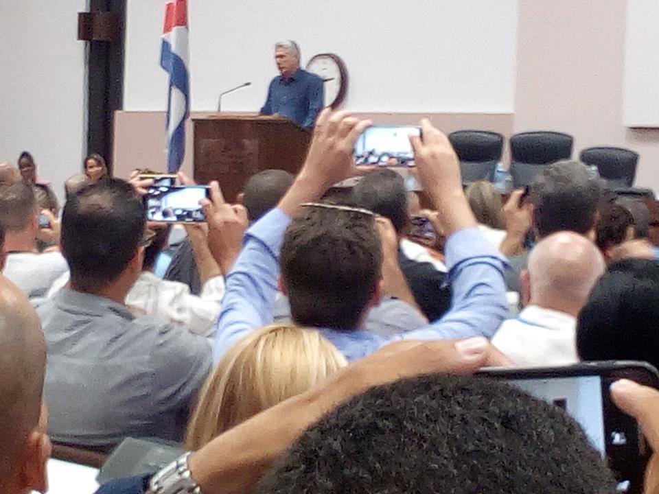 UIC y el proceso de informatización en Cuba - Revista Tino