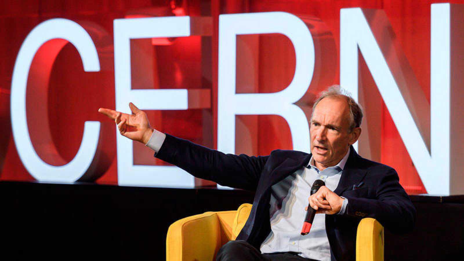 Tim Berners-Lee. durante la celebración del 30 aniversario de la Web. COFFRINI / AFP - Revista Tino