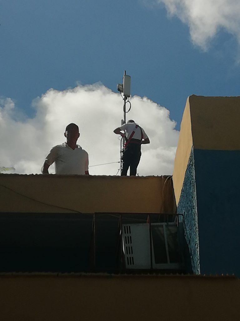 Fig. Instalando una de las redes privadas -  #RevistaTino