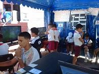 Fig. 1. Los niños disfrutando de la Feria Tecnológica. - #RevistaTino