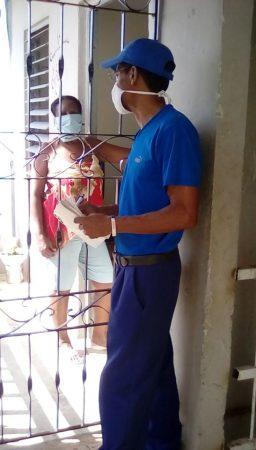 Fig. 2. Los trabajadores de loa Joven Club se incorporan a las pesquizas. - #RevistaTino