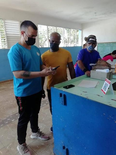 Apoyo de Joven Club Artemisa al Comercio Electrónico.- #RevistaTino